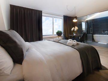 dange hotel liuksas su balkonu